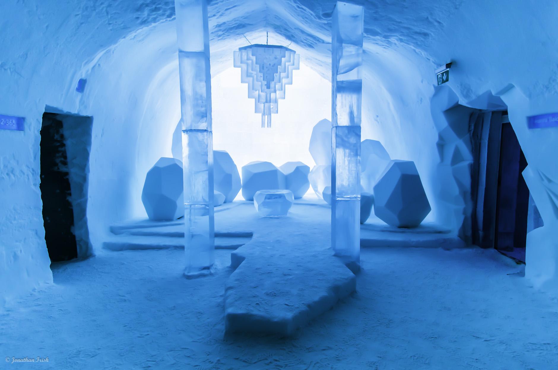 Снежная комната